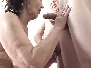 Slut granny home porn