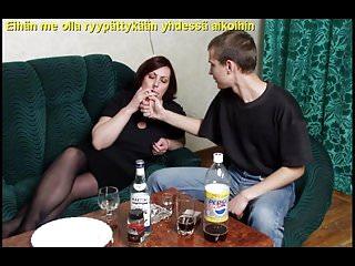 Slideshow with Finnish Captions: Mom Dora 2
