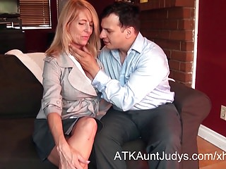 Macy Maddison seduces her young prospective home-buyer.