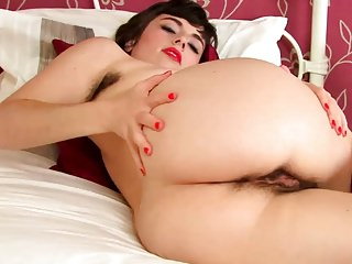 beauty, hairy pits, meaty hairy pussy lips fingers, orgasm