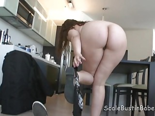 Massage Therapist Lexi Summers Sucking Fucking Client BBW