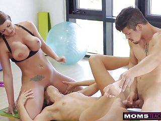 MomsTeachSex - Daughter Eats Step-Moms Cum Filled Pussy S7:E