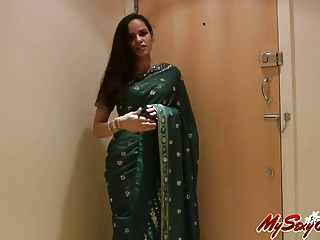 indian sexy babe jasmine strip naked taking off her sari
