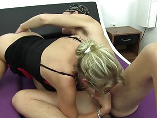 ReifeSwinger - Mature German swinger enjoys MMF threesome
