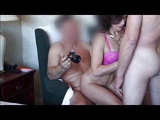 homemade bi threesome with cumshots