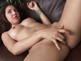 Naive 19 Year-Old girl conned into porno casting