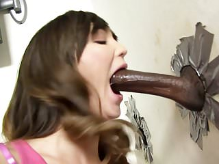 Busty Holly Michaels Deepthroats Black Cock - Glroyhole