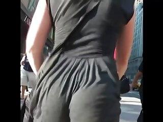 hot jiggling ass  2015