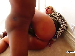 27 cm Monster Cock Mandingo fucks big tit german Milf