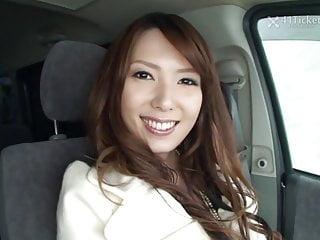 Yui Hatano Deepthroats Cock In Car (Uncensored JAV)