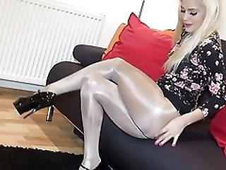 Sexy Bella Shiny Victoria S Secret in Pantyhose