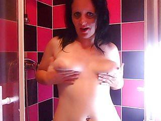 Venez me rejoindre sous ma douche HUMMM