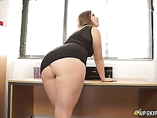 Nasty mommy with great whooty Anna Joy flashes her buttocks