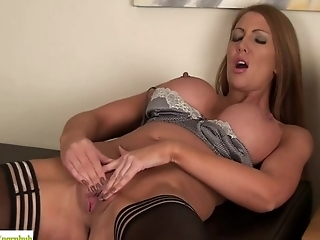 Leigh Darby Fingers Older Pussy