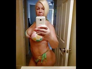 CHARMING WOMEN 12 (selfies 2)
