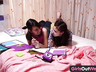 Girls Out West - Lesbian teens finger and lick hairy cunts