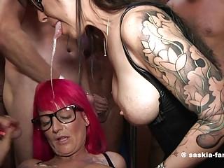 Bukkake Party Saskia Farell & Yasmin Diamond