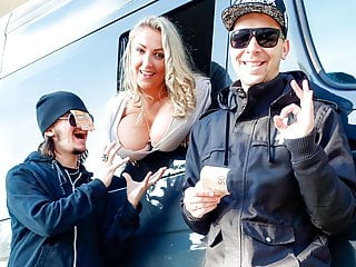 BUMS BUS - Czech PAWG enjoys hardcore fuck in the backseat