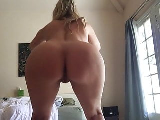 milf stretching in the morning