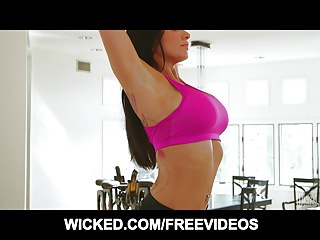 Romi Rain in her yoga pants will give you CHILLS. Assume the