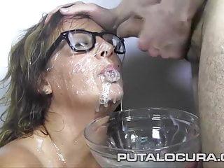 PUTA LOCURA Spanish Milf in her first bukkake