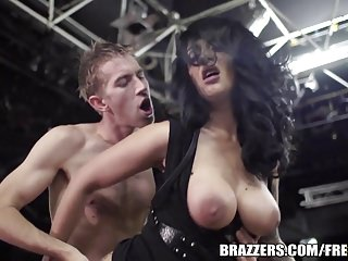 Brazzers -  Hot tattooed girl squirts