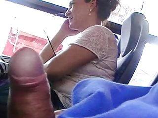 Mostrando a pica pra coroa do lado flashing bus