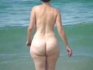 stunning pawg mature pear beach ass