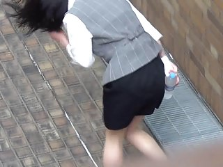 Consecutive -shot Turn up a skirt 1