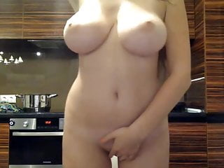 Perfect body and big jiggly boobs on webcam
