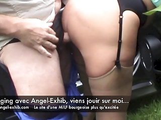 MILF francaise pour cam2cam festin bas nylon