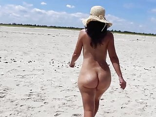 Big butt amateur nudist on the beach