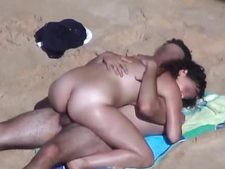 Beach Couple.avi