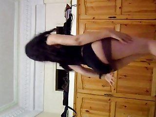 hOT ARABIAN TEEN HOMEMADE BELLY DANCE