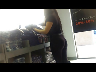 Incredible ass on this HOT sexy Indian chick