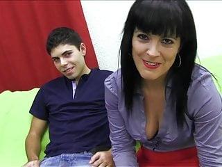 PUTA LOCURA Hot Mature Latina likes young guns