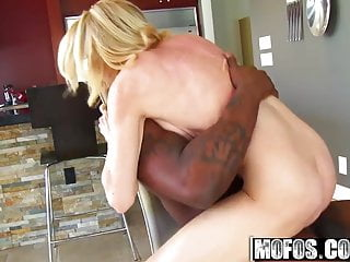 Alexa Styles - Hunting For Black Mamba - Milfs Like It Black