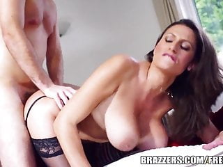Brazzers - Hot Milf Jane shows off her big tits