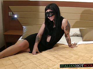 bellissima mora italiana molto sexy va con Rambetto Stefanin