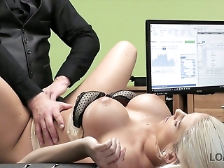 Incomparable blonde nympho Blanche provides loan debtor with a good head
