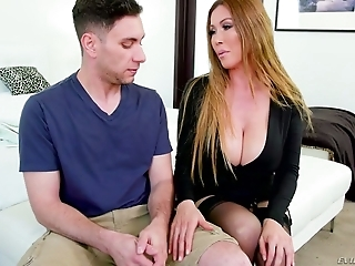 Astonishing Asian-Canadian MILF Kianna Dior works on two delicious pricks