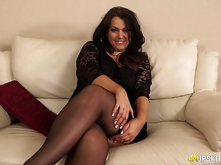 Awesome voluptuous brunette MILF in nylon black stuff exposes her cunt