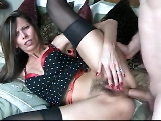 Hairy MILF analysed