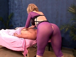 Bootylicious nympho Nina Hartley takes a chance to work on client