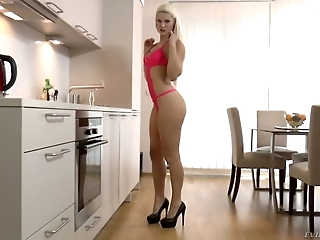 Sexy bootyfull blonde Blanche Bradburry likes in the ass the best